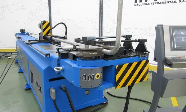 автоматический дроновый трубогиб с чпу