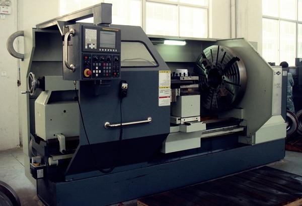 токарный станок с чпу 1200 мм
