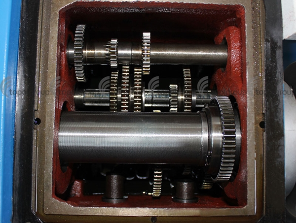 коробка передач токарного станка