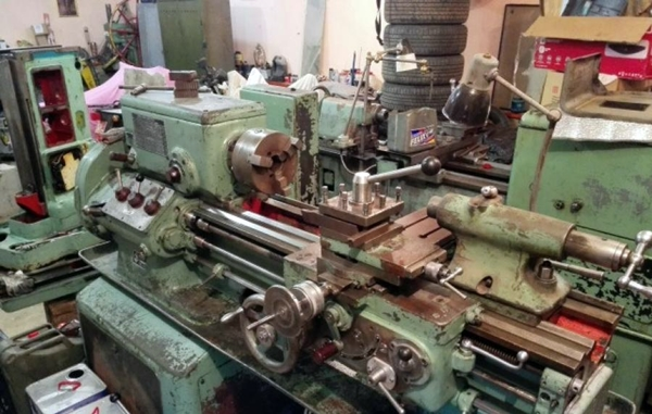 токарный станок 1е61м на заводе