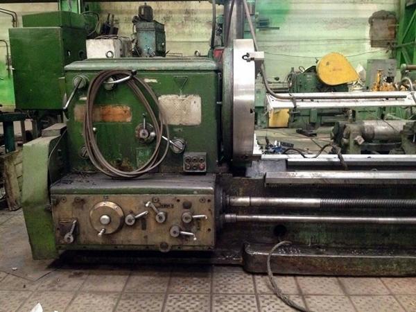 токарный станок 165 на заводе