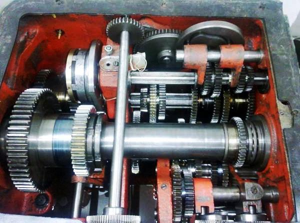 коробка скоростей токарного станка 1м61