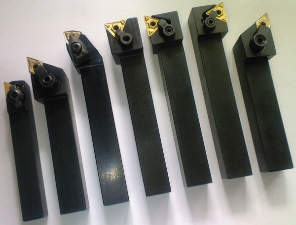 резцы для токарного станка по металлу черные