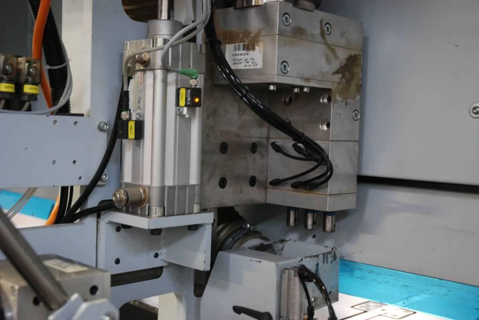 Сверлильный автомат с ЧПУ