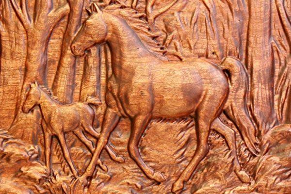 модель лошади на фрезерном станке