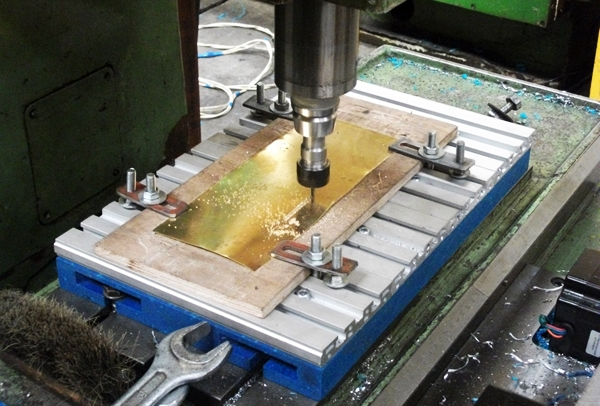 фрезерный чпу станок по металлу